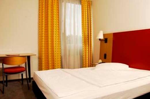 Intercity Hotel hotelkamer